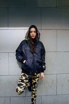 A bathing ape outfit Grunge Fashion, Urban Fashion, Street Fashion, Tomboy Fashion, Streetwear Mode, Swag, Cute Jackets, Well Dressed, Street Wear