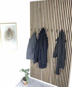 Wood Slat Wall, Coat Storage, Room Partition Designs, House Entrance, Hallway Decorating, House Design, Interior Design, Decoration, Sweet Home