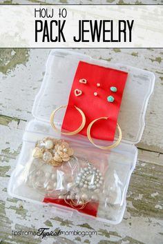 Don't you hate it when your packed jewelry is a tangled up ball of gold and silver? Here's a fabulous packing tip on how to pack jewelry!