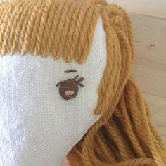 Wee Wonderfuls - Embroidering an eye