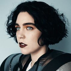 🎶Girls like girls like boys do, nothing new. Beatrice Eli, Rapper, Photo Software, Androgyny, Drawing People, Woman Face, Music Artists, Pretty Woman, Female Models