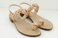 Dea Sandals Capri. sandali gioiello fatti con passione, la qualità che premia il made in Italy....QUELLO VERO!! www.deasandals.com