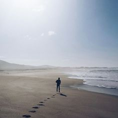 Freedom feeling! Simón running on a deserted #beach. It's so hard to picture the beauty of this place... Sensación de libertad! Simón corriendo en una #playa desierta. Difícil capturar la belleza del lugar en fotos... #asfurnas #praiadasfurn