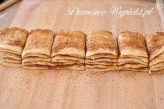 Bardzo oryginalnie wyglądające, a zarazem łatwe do przygotowania ciasto drożdżowe z cynamonem. Drożdżowe kromki ciasta posklejane są klejącą, słodką warstwą... Bread, Food, Eten, Bakeries, Meals, Breads, Diet