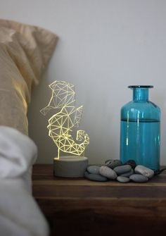 Grise lampe béton hippocampe animaux veilleuse par SturlesiDesign