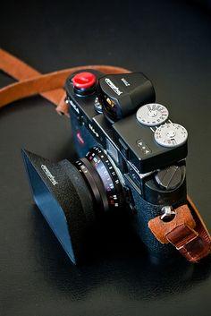 Leica M4P with Voigtlander 21mm f4 lens and viewfinder, Voigtlander VCII meter