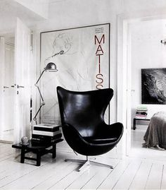 Thumbs up!! #Arne #Jacobsen #Egg #Chair