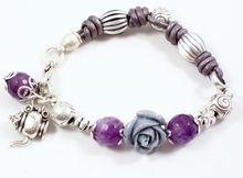Pulsera Bixut- Realizada en amatista, cuero piezas de metal. Wire Jewelry, Jewelry Bracelets, Beads And Wire, Pandora Charms, Charmed, Necklaces, Bangle Bracelets, Amethyst, Leather