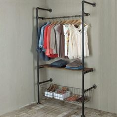 Pipe Clothing Rack Inspiring Industrial Pipe Closet Designs You Can Make Yourself - Page 5 of 26 Pipe Closet, Closet Bedroom, Closet Space, Master Closet, Pipe Furniture, Furniture Design, Furniture Vintage, Diy Clothes Rack, Clothes Storage