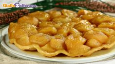 tarte tatin! :) My Recipes, Sweet Recipes, Cake Recipes, Cooking Recipes, Favorite Recipes, Ricotta, Biscuit Cake, French Food, Fett