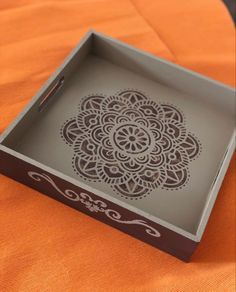Decorative Wooden Boxes, Wooden Art, Ceramic Painting, Painting On Wood, Diy Crafts Hacks, Diy And Crafts, Decoupage Wood, Chalk Paint Projects, Mandala Dots