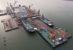 At work on the Pieter Schelte location at Rotterdam Maasvlakte 2 with barge IRON LADY 1