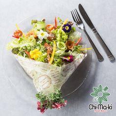 「これがサラダなの!?」 とっても可愛く、幸せな気分になれるブーケサラダ。 誕生日や記念日に是非どうぞ♪  #ブーケサラダ #ブーケ #サラダ #神戸 #元町 #三宮 #チマキ #アジアン #ビストロ #chi-ma-ki #chimaki #bouquet #salad #bouquetsalad #romance #kobe #sannomiya #Asian #bistro