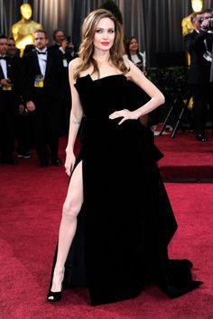 La pierna al descubierto de Angelina Jolie fue la protagonista de la edición de 2012. El diseño de Atelier Versace servirá eternamente con referencia cada vez que una celebrity se decante por un vestido con abertura.