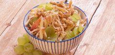 Surówka z selera i winogron bezpestkowych Pasta Salad, Cabbage, Vegetables, Ethnic Recipes, Food, Crab Pasta Salad, Essen, Cabbages, Vegetable Recipes