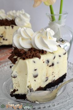 No Bake Chocolate Chip Cheesecake delicious cheesecake simply chocolate cake best cheesecake; best no bake cheesecake cold cheesecake dessert recipe Best No Bake Cheesecake, Chocolate Chip Cheesecake, Cheesecake Desserts, Oreo Dessert, Dessert Drinks, Dessert Bars, Baking Recipes, Cookie Recipes, Dessert Recipes