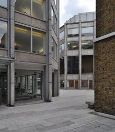 Economist building by Alison & Peter Smithson