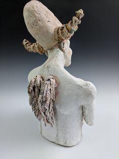pink - figurative ceramic sculpture - back - Heida Halldors