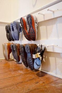 12 Ideas to Organize Your Mudroom and Entryway! 12 Ideas to Organize Your Mudroom and Entryway! Keeping our entryways into our homes decluttered, neat, and presentable is tough! Here are 12 ideas for entryway and mudroom organization! Garage Storage, Diy Storage, Storage Hacks, Storage Shelving, Makeup Storage, Kids Shoe Organization, Bedroom Organization, Bedroom Storage, Organizing Ideas