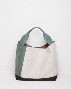 Color-block bag by Marni Leather Purses, Leather Handbags, Leather Bag, Real Leather, Shopper, Beautiful Bags, Handmade Bags, Purses And Handbags, Fashion Bags