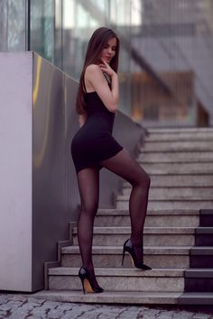 #fetishpantyhose #pantyhosefetish #legs #heels #blogger #stiletto #pantyhose #collant #black
