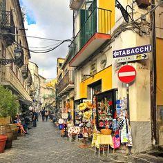 Street.#dreenatravels #pizzo #calabria #italia #italy #travel #travelgram #lifewelltravelled