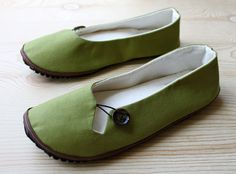 Olive Keyhole Flat with Heavy Tread Soles. Fully lined with removable padded insoles made of Rubber which makes them completely vegan. Features a keyhole and a wooden button. Featured in Oprah Magazine. Molly Puzo/HydraHeart/Etsy