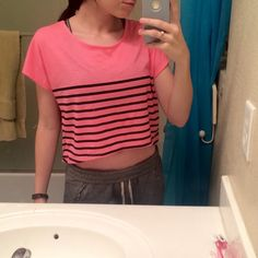 Pink Forever 21 Crop Top Really great condition! This is super cute but just not my style anymore  Forever 21 Tops Crop Tops