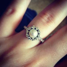 Oh man, pearl AND flower-shaped cluster diamonds, gorgeous!-- pretty as a promise ring