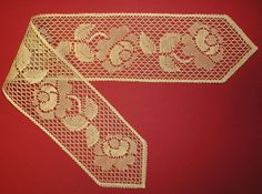 Martine Mahler Doily Art, Lacemaking, Lace Heart, Lace Jewelry, Bobbin Lace, Lace Detail, Tatting, Butterfly, Pattern
