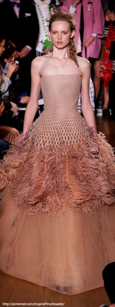London Spring 2014 - Giles the top is cool, but then they decided to make it goofy, oh and add feathers... sigh...