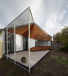 DECK BLACK FASCIA Hunter Street, Timber Battens, Curved Walls, Outdoor Spaces, Outdoor Decor, Side Wall, Entry Doors, Contemporary Architecture, Steel Frame