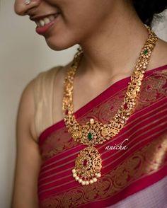 Indian Wedding Jewelry, Indian Jewelry, Bridal Jewellery, Indian Bridal, Gold Temple Jewellery, Gold Jewelry, Gold Necklaces, Black Jewelry, Beaded Jewelry