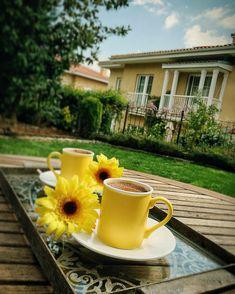 Coffee Vs Tea, Sweet Coffee, Coffee And Books, I Love Coffee, Coffee Cafe, Coffee Break, Coffee Drinks, Saturday Coffee, Morning Coffee