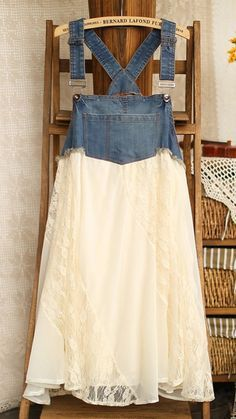 DIY Denim Restyle hmmm I think I can use an old pair of too big jeans to make the top of the overall