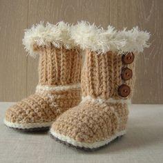 Crochet Pattern BABY UGG Booties Baby Snuggs por matildasmeadow