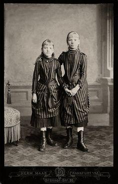 0013 ~ CabinetCard ~ two sweet Girls in nice Dress