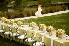 décoration table mariage rectangulaire en jaune et vert