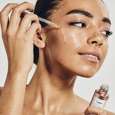 (paid link) simple skincare set. >>>Read more at the image link. Beauty Make Up, Beauty Care, Beauty Hacks, Beauty Consultant, Beauty Shoot, Natural Beauty Tips, Even Skin Tone, Facial Oil, Acne Prone Skin