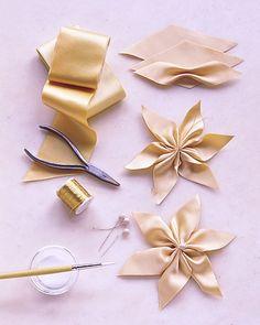 flores de cinta paso a paso - Buscar con Google These would work with burlap. First, back the burlap ribbon.