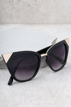 e5c0074116fc5 Modern Romance Black Cat-Eye Sunglasses