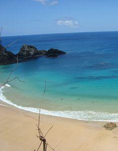 Uma bela praia------- https://www.pinterest.com/soniamreisc/paisagens-de-praias-ilhas-lagos-e-outros-mais/