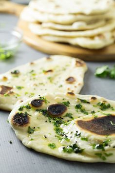 How to make Naan bread at home + authentic Indian recipe #indian #bread | cookingtheglobe.com