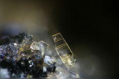 Phosphosiderite. Steinbruch Folgosinho, Gouveia, Portugal FOV=1.9 mm Photo Hannes Osterhammer;