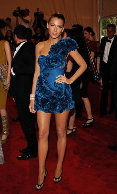 "Blake Lively Photos - ""American Woman: Fashioning A National Identity"" Met Gala - Arrivals - Zimbio"