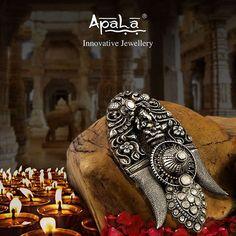 वक्रतुण्ड़ महाकाय सूर्य कोटि समप्रभ। निर्विघ्नं कुरू मे देव, सर्व कार्येषु सर्वदा।। May lord Ganesha bring happiness, prosperity and success to you and your family all year long! Apala by Sumit wishes all a very Happy Diwali .