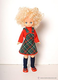 Muñeca Lesly rubia. hermanita de Nancy de Famosa. Nancy Doll, Dolls, Sewing, Stuff To Buy, Vintage, Collection, Life, Ideas, Fashion