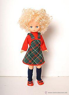 Muñeca Lesly rubia. hermanita de Nancy de Famosa.