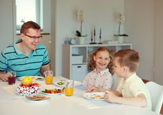 8 Erreurs de parents dont les enfants aînés se souviendront toute leur vie Oldest Child, Very Scary, Songs To Sing, Feeling Special, Baby Grows, Communication Skills, Family Traditions, Never Forget, Happy Family