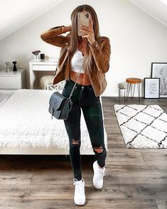 """5,361 Me gusta, 61 comentarios - FASHION • FITNESS • FOOD (@sophiegsa) en Instagram: """"The best things in life are the people you love, the places you go and the memories you make✨